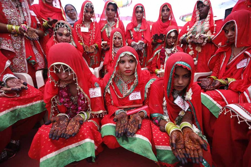 Outlook India Photogallery - Muslims