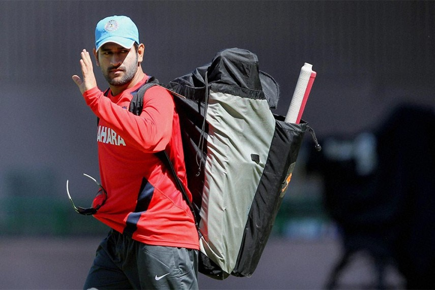 BCCI Doubles Central Contracts, Dhoni in Grade A, Raina Out