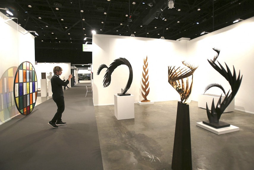 D Painting Exhibition In Dubai : Outlook india photogallery decoding art