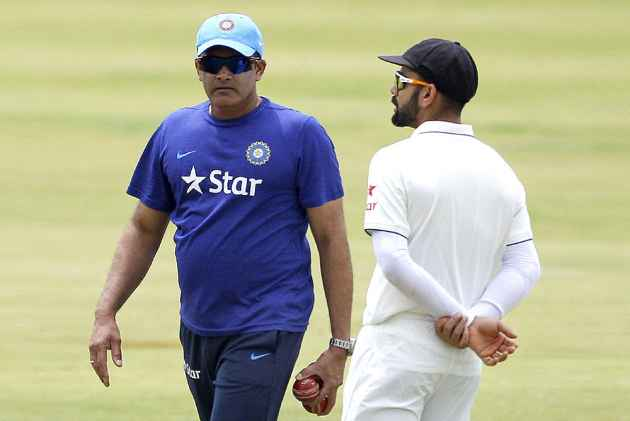 Virender Sehwag forwards two-line resume to BCCI for India coach job