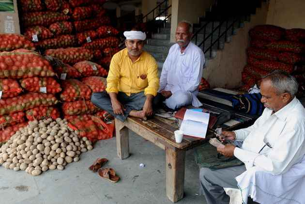 Vegetable vendors suffers a lot due to dip in prices