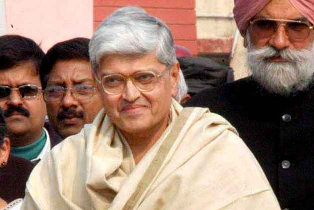 It's Gopal Krishna Gandhi Vs Venkaiah Naidu in Vice Presidential Polls