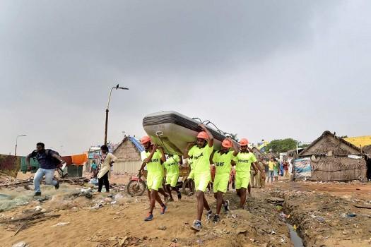 tsunami essay in bengali