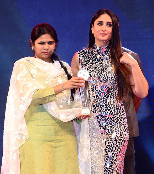 94501cb773f Outlook India Photogallery - Kareena Kapoor