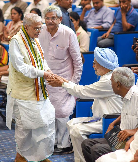Outlook India Photo Gallery - Manmohan Singh