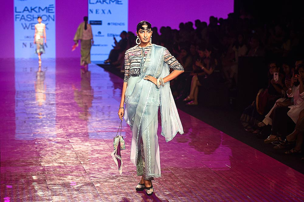 Outlook India Photo Gallery - In Photos: Lakmé Fashion Week 2020 In Mumbai