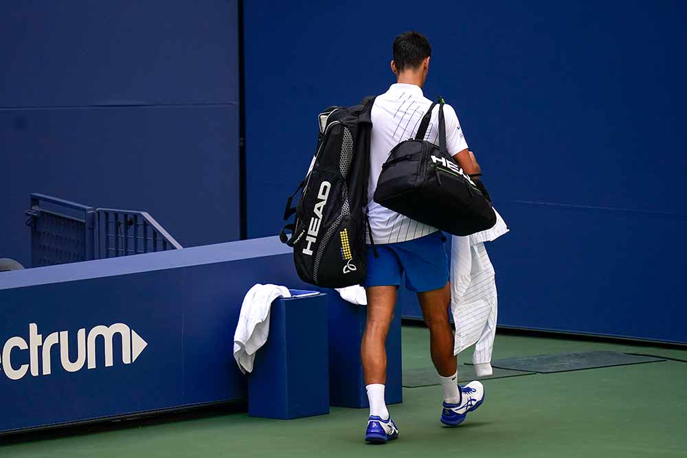 Outlook India Photo Gallery Us Open 2020 Novak Djokovic Disqualified After Hitting Line Judge With Ball