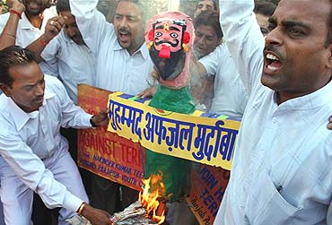 Congress workers protest against Mohammad Afzal in Amritsar, October 1, 2006
