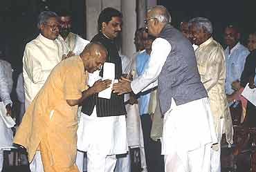 Don't Link Kashi-Mathura With Ayodhya