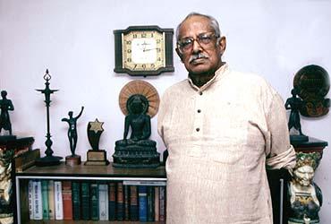 Hrishikesh Mukherjee (1922-2006)