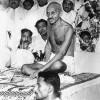Gandhi tries to settle a Congress Party dispute in Calcutta, 1934
