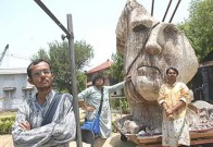 Apu Goes To Amragachi