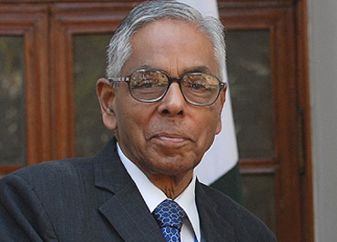Narayanan Must Make Way For A Successor