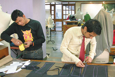 Difference Between Diploma And Degree In Fashion Designing