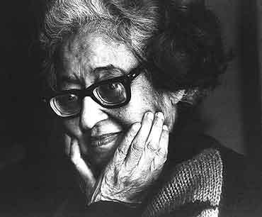 Aini Apa (1927-2007)