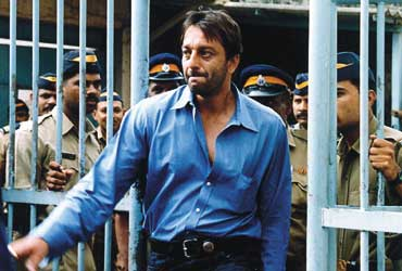 Image result for sanjay dutt abouse on phone with chota shakeel