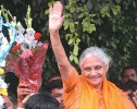 Reign on: A jubilant Sheila Dikshit, CM again for a third term