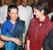 The bagless Sonia and Priyanka