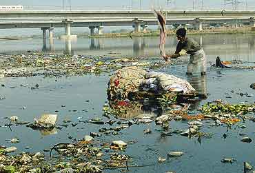 Pollution essay in hindi wikipedia docoments ojazlink for Soil xchange
