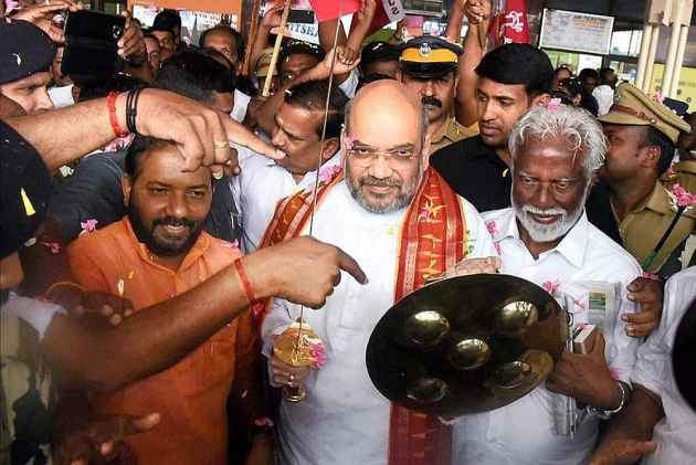 BJP President Amit Shah Meets Uddhav Thackeray, Seeks Support for Presidential Election