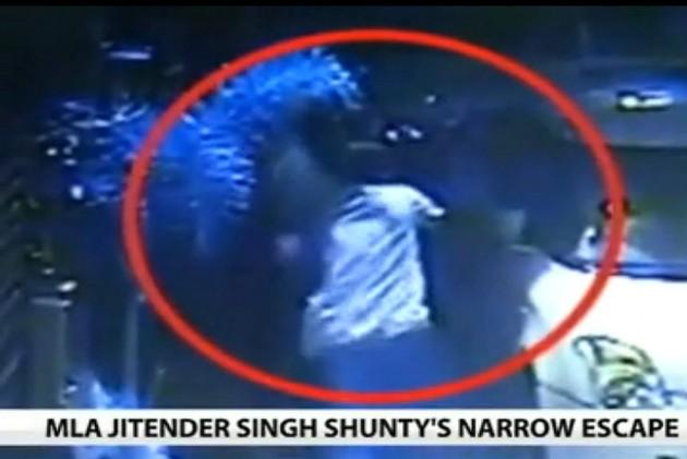 BJP MLA Attacked by Unidentified Gunman in East Delhi