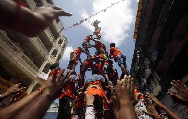 HC Bans Children Below 18 From Playing Govindas in Dahi Handi