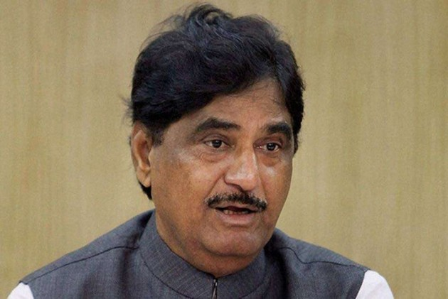 Munde Faced Humiliation in Party, Wanted to Leave: BJP MLC