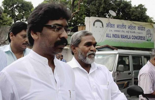 After Hooda, Now Soren Booed by Crowds in Modi's Presence