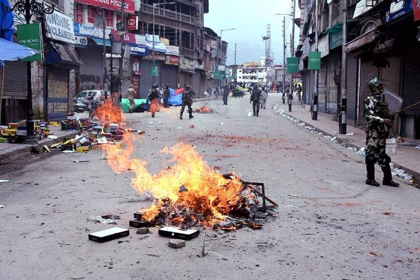 Mobile Internet Services Restored in Kashmir After 2 Weeks