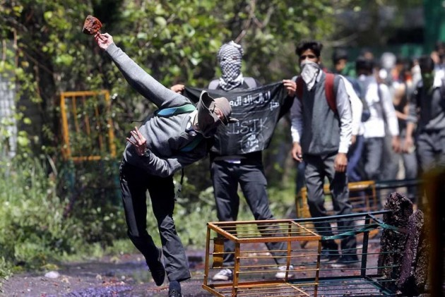 Students clash with police in Tral; several arrested