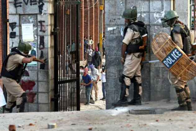Separatists In Kashmir Valley Call For Bandh Over Killing Of Hizb Commander Bhat