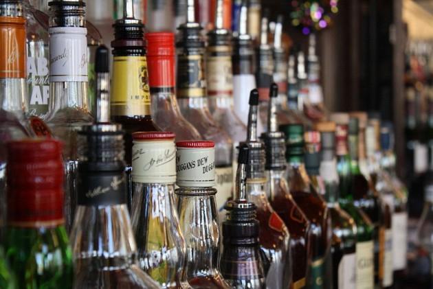 शराबबंदी को लेकर मप्र सरकार का रुख नरम