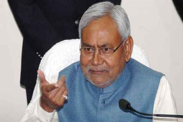 Reply publicly on corruption charges: Nitish to Tejashwi