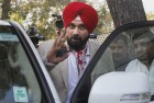 Sidhu Meets Rahul Gandhi Within Hours of BJP's Big Win in Chandigarh