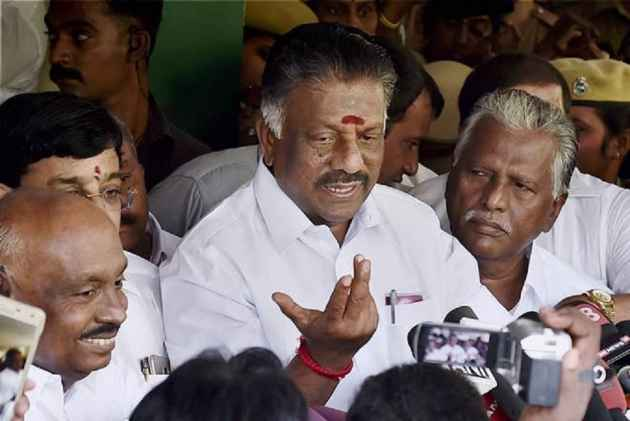 Restrain Sasikala Faction From Using AIADMK Office: Paneerselvam's Camp To EC