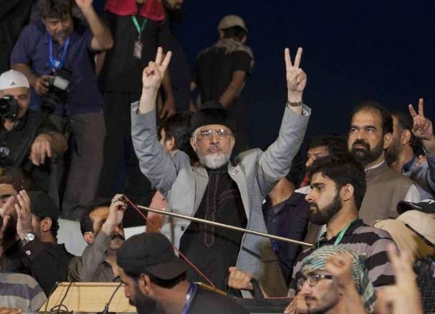 Oppn Parties Meet Khan, Qadri to End Political Deadlock