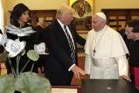 Pope Urges Trump to Work For Peace as Smiles Replace Spats