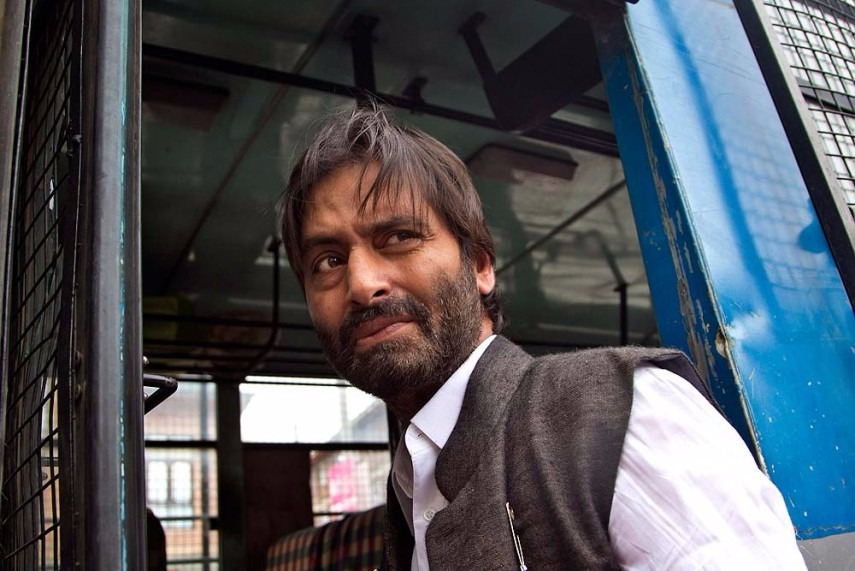 Journo Accuses Separatist Leader Yasin Malik of Assault, Malik Says She Barged In