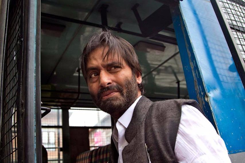 Journo Accuses Separatist Leader Yasin Malik of Assault, Malik Says She Barged In