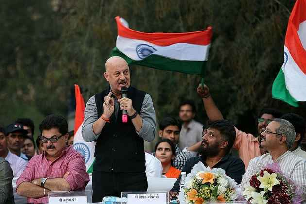 Anupam Kher Comes Out in Support of 'Self-made' Sonu Nigam