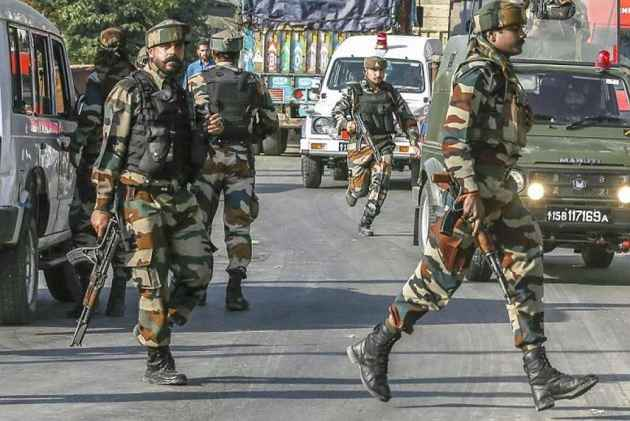 Army convoy attacked: Congress urges Centre to negotiate with Pak
