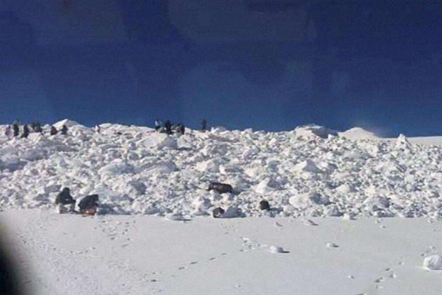 Trooper Soldiers on Search for Life After Daring Siachen Rescue