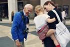 Bill Cunningham, <em>NYT</em> Fashion Photographer, Dies at 87