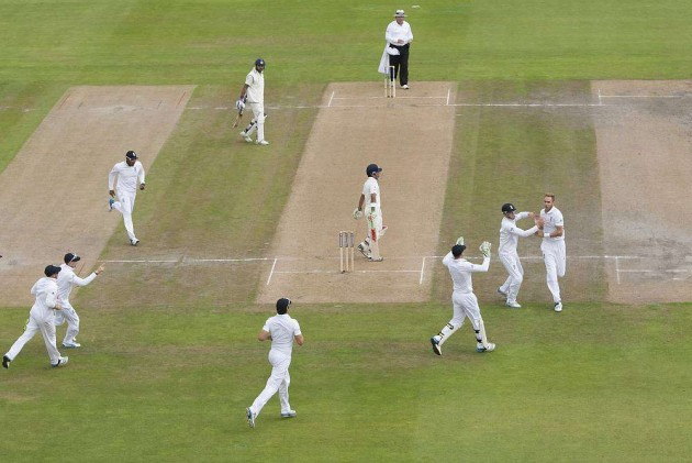 Test 4: Eng's Broad Wreaks Havoc as India Shot Out for 152