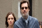 Jim Carrey Sues Ex-Girlfriend's Mother, Alleges She Begged Him to Buy Her a House