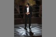 Damien Chazelle Wins Best Director for <em>La La Land</em>, Casey Affleck Best Actor for <em>Manchester by the Sea</em>