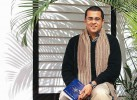 Chetan Bhagat Gets Legal Notice From Dumraon Royal Family