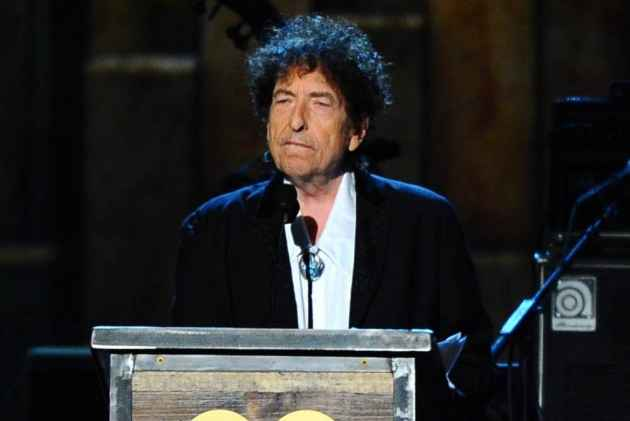 Article Accuses Dylan of  Plagiarzing Nobel Lecture From SparkNotes