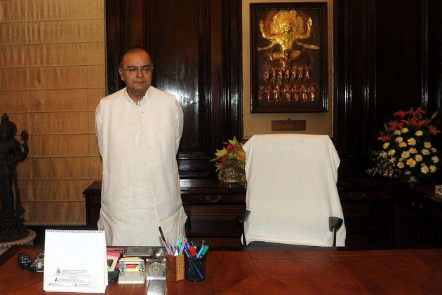 Troops Giving Appropriate Response to Ceasefire Violaions: Jaitley