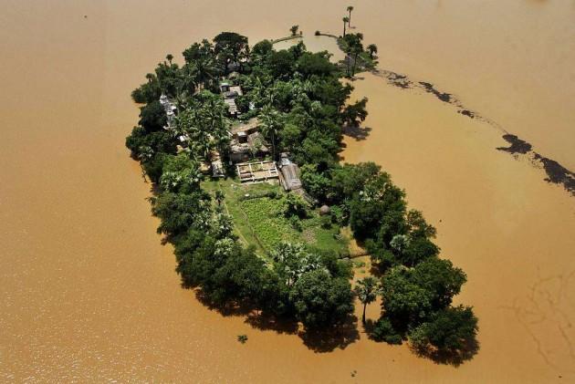 Odisha: Vast Stretch of Mahanadi Delta Zone Flooded, Toll 35